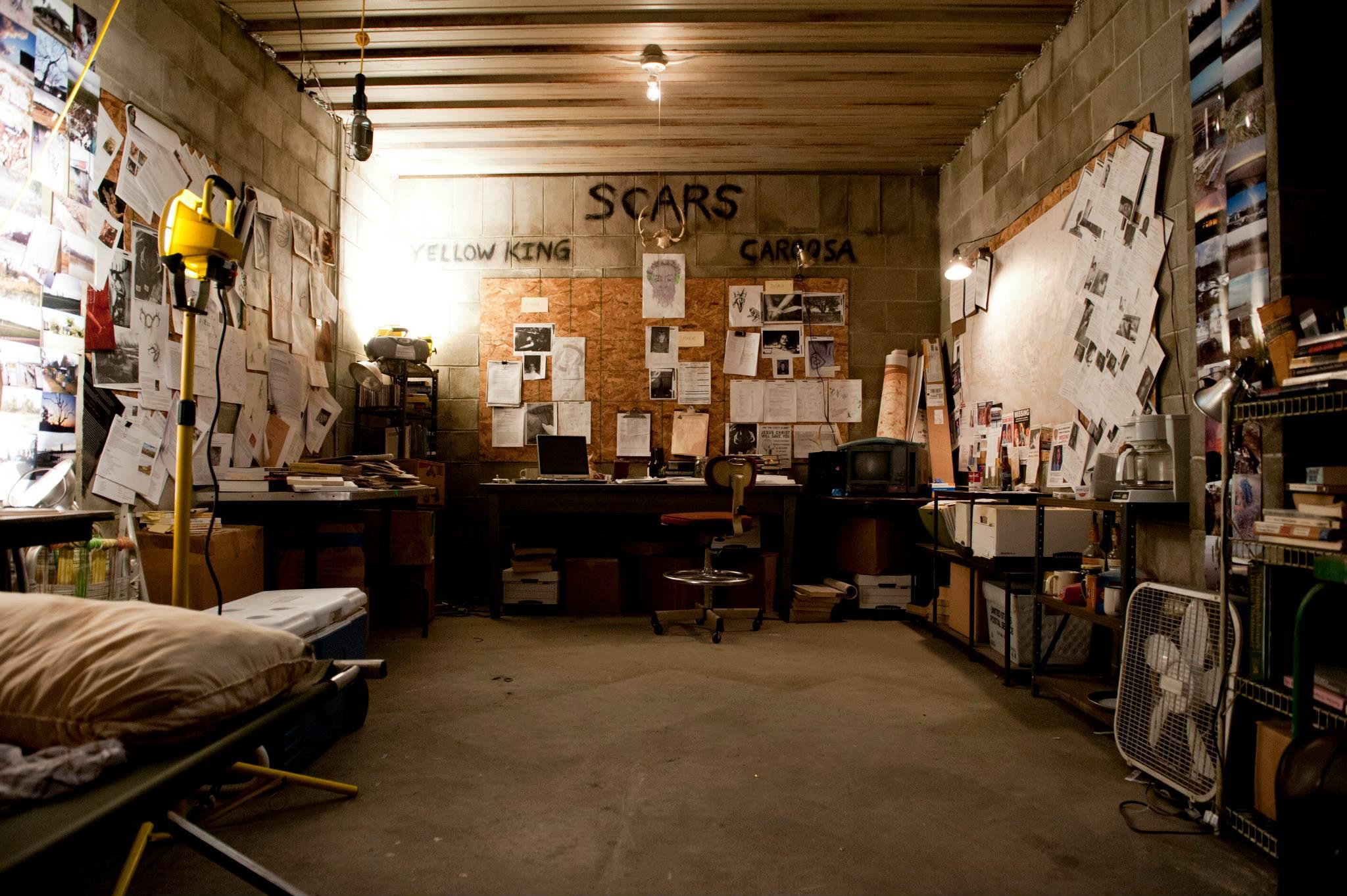true-detective-garage